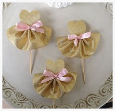 https://www.etsy.com/ru/listing/220595608/gold-party-dress-cupcake-toppers-for?ref=fp_item