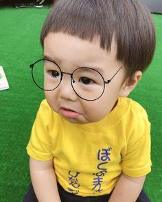 どんぐりヘアー - Yahoo!検索(画像) Little Boy Hairstyles, Baby Boy Haircuts, Kids Hairstyle, Cute Babies, Baby Kids, Mushroom Hair, Ulzzang, Kids Cuts, Children Photography
