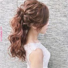 Hair wedding ponytail hairdos for 2019 Wedding Ponytail, Curly Wedding Hair, Elegant Wedding Hair, Bridal Hair, Wavy Hair, Bun Hairstyles For Long Hair, Best Wedding Hairstyles, Bride Hairstyles, Mother Of The Bride Hair