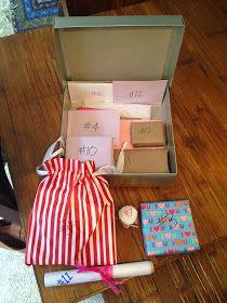"""12 """"dates"""" in een doosje. Leuk idee, misschien aanpassen naar iets minder Amerika en een beetje meer Nederland."""