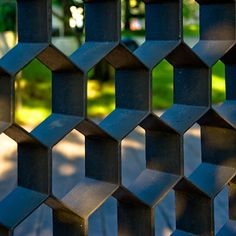 ideas for metal screen fence mid century Metal Screen, Metal Fence, Gates, Gate Design, House Design, Architecture Details, Interior Architecture, Sliding Screen Doors, Divider Screen