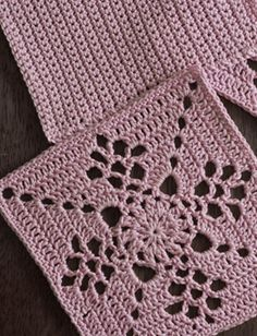 Crochet Circle Vest, Crochet Square Blanket, Crochet Circles, Crochet Blocks, Granny Square Crochet Pattern, Crochet Squares, Crochet Motif, Diy Crochet, Crochet Christmas Stocking Pattern