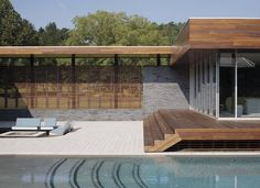 Exterior aspect of Curved House in Missouri, USA by Hufft Projects