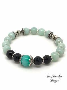 Light green black bracelet, stretch bracelet, black green bracelet, green bracelet, black light green bracelet ✨This light green black bracelet is a delicate piece to wear. ✨Measure:7 inch ✨Packaging: