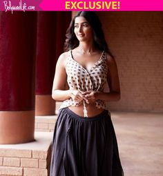 Pooja Hegdes look from Mohenjo Daros first song Tu Hai is out and she looks HAWT!