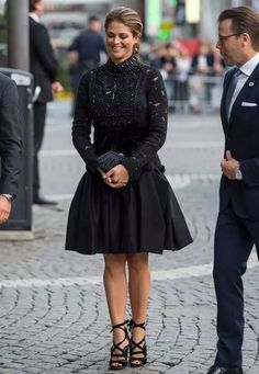 Fashion Looks: The Style of Princess Madeleine - Madeleine von Schweden - Outfit Fashion Looks, Beauty And Fashion, Royal Fashion, Ball Dresses, Ball Gowns, Sweden Fashion, Lace Dress Black, Concert Hall, Black Laces