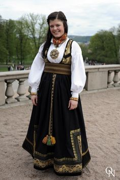 a Beltestakk photo from Oslonights Group Costumes, Folk Costume, People Around The World, Feminine Style, Costume Accessories, Vintage Costumes, Folklore, Costume Design, Traditional Outfits