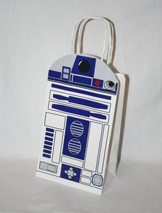 What is a Star Wars themed party or wedding without a R2-D2 party bag? The R2-D2 party bag fits a 5 3/16 inch x 8 5/8 inch white party bag
