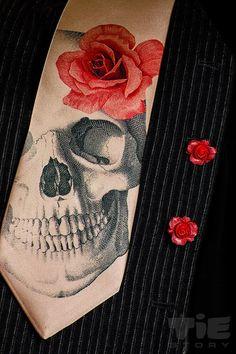 Men's gothic wedding necktie and red roses cufflinks. Dia de los muertos necktie with red rose cufflinks. Horror skeleton hipster necktie.