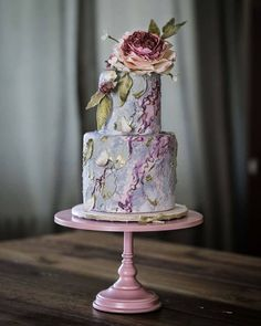 Floral Wedding Cakes, Wedding Sweets, Floral Cake, Wedding Cake Designs, Modern Wedding Cakes, 3 Tier Wedding Cakes, Modern Cakes, Unique Cakes, Elegant Cakes
