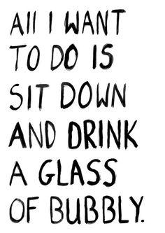 Tijd om te relaxen! Hoe beter dan met een lekker glaasje #champagne. Kijk snel in onze webshop voor de lekkerste champagnes: http://www.brouzje.nl/webshop