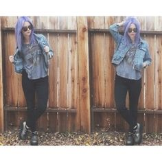 Sarah hawkinson is a model for me. She is so beautiful and i'm in love with her purple hair.