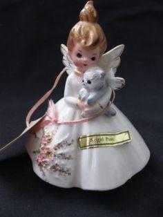 Porcelain China Mugs Refferal: 1763352188 Coca Cola, Antique Appraisal, Glass Dolls, Christmas Catalogs, Vintage Ceramic, Doll Face, Vintage Dolls, Vintage Decor, Vintage Christmas