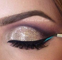 ❤️ Gold eye shadow with a hint of blue