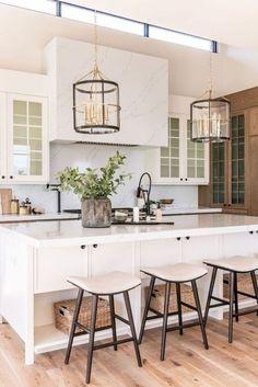 Kitchen Inspirations, decor ideas for kitchens, kitchen layout, farmhouse kitchen decorations, dining room Classic Kitchen, Rustic Kitchen, Kitchen Ideas, Kitchen Modern, Kitchen Trends, Diy Kitchen, Modern Kitchens, Minimal Kitchen, Functional Kitchen