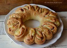 Corona di pan brioche salata ripiena