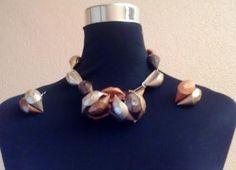 #Collar de #caracolas con #cápsulas de #café #nespresso  #DIY #HOWTO #ecología #reducir #reciclar #reutilizar