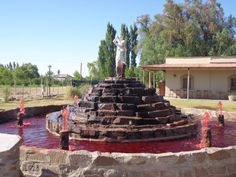"""Fuente de """"vino"""" - San Rafael, Argentina"""