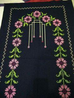 This Pin was discovered by Eda Cross Stitch Borders, Cross Stitch Flowers, Prayer Rug, Bargello, Filet Crochet, Beading Patterns, Blackwork, Cross Stitch Embroidery, Handicraft