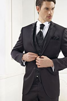 Custom Made One Button Groom Tuxedos Peak Lapel Men's Suit Black Grooms man Bridegroom Wedding/Prom Suits (Jacket+Pants+Vest) Prom Suit Jackets, Groom Tuxedo, Wedding Suits, Mens Suits, Blazer Suit, Custom Made, How To Look Better, Vest, Pants