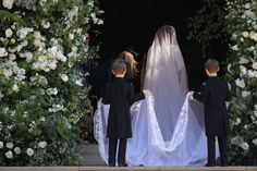 All the Ways Meghan Markle's Wedding Dress Is Different From Kate Middleton's All the Ways Meghan Markle's Wedding Dress Is Different From Kate Middleton's,COSMO Wedding All the Ways Meghan Markle's Wedding Dress Is D Wedding Robe, Wedding Veil, Wedding Ceremony, Wedding Gowns, Wedding Day, Wedding Blog, Wedding Weekend, Wedding Beauty, Wedding Bridesmaids