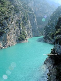 Gorges de Verdon - Typical unspoilt towns and villages - In the midst of a nature reserve, rich in flora and fauna, this is France's answer to the Grand Canyon. Discovered at the beginning of the century. The custodial villages nestled at the foot of the fault have maintained their old fashioned Provencal appeal. Here you will be warmly welcomed, and thanks to the fabulous natural resources of the area, countless activities are available including rafting, fishing and horse riding.