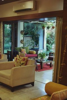 House Tour: A Mix of Old and New in India | Apartment Therapy
