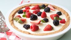 This quick-prep tart with a scrumptious graham cracker crust is the perfect way to welcome spring.