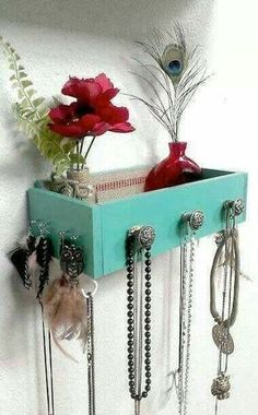 Jewelry box out of recycled pallet wood