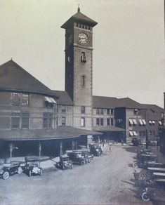 Union Station, Portland, 1915. Besides the cars, it almost looks the same as it does today!