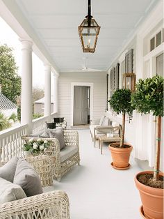 Disciplined appraised farmhouse porch design find out here Outdoor Spaces, Outdoor Living, Outdoor Decor, Summer Porch Decor, Winter Porch, Porch Kits, Porch Ideas, Pergola Ideas, Railing Ideas