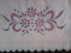 Machine Embroidery Quilts, Cutwork Embroidery, Baby Embroidery, Hand Embroidery Designs, Embroidery Patterns, Brazilian Embroidery, Cut Work, Arte Popular, Clip Art