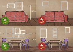 O centro do quadro deve estar a 1,6 m do piso. Coloque-os 25 cm acima do encosto do sofá e a 20 cm do aparador.