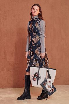 See the complete See by Chloé Fall 2017 Ready-to-Wear collection.
