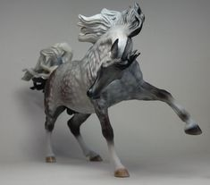 Maggie Bennett Sculpture All The Pretty Horses, Beautiful Horses, Bryer Horses, Painted Pony, Draw On Photos, Horse Sculpture, Carousel Horses, Equine Art, Horse Pictures