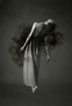 art photography by Josephine Cardin: katia_lexx Levitation Photography, Dark Photography, Creative Photography, Photography Tricks, Exposure Photography, Abstract Photography, Fashion Photography, Foto Instagram, Foto Art