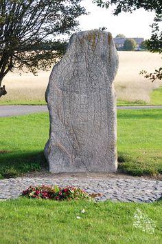 Brogårdstenen: Der große Runenstein Bornholms