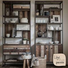 #boekenkast #teakhout #metaal #landelijk #gerecycled #bookcase #teak #wood #metal #country #recycled #lifestyle