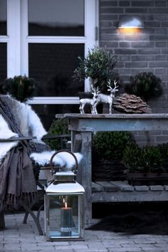 24 Cozy And Beautiful Winter Terrace Decor Ideas You'll Enjoy - Christmas Garden, Outdoor Christmas, Winter Garden, Rustic Christmas, Winter Christmas, Christmas Home, Christmas Inspiration, Garden Inspiration, Terrasse Design