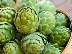Eat green for St. Patrick's Day by incorporating the artichoke into your family meals. This superfood is full of antioxidants, Vitamin C, folate, and more! Hot Artichoke Spinach Dip, How To Cook Artichoke, Artichoke Recipes, Artichoke Hearts, Copykat Recipes, Olive Gardens, Restaurant Recipes, Fruits And Veggies, Vegetarian