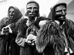 """""""Carnevale di Mamoiada"""" Mamoiada provincia di Nuoro - Regione Sardegna - Italia -  Mammutones Mascere tipiche -  http://it.wikipedia.org/wiki/Mamuthones Sardinia #assaggialitalia"""