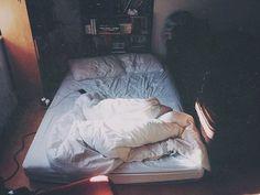 <b>Quitarte la ropa para dormir puede resolver muchos de tus problemas en la vida.</b>