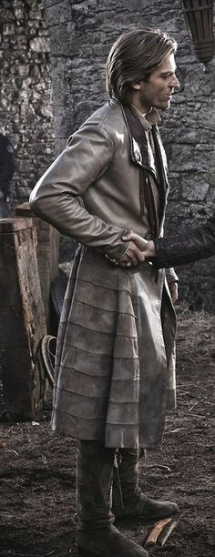 Jaime Lannister - coat from the side
