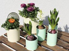 Kostenlose Anleitung: Blumentöpfe aus Konservendosen basteln / free DIY: crafting flowerpots out of cans via DaWanda.com