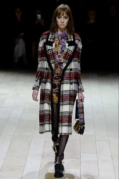 Burberry - LFW Fall/Winter 2016-2017 - so-sophisticated.com
