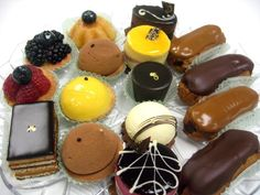 Take a look at all the specialty cakes and gifts that Financier Patisserie offers for our customers.