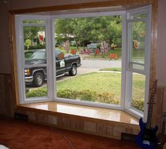 Alside Bay Window - Picture Window with flanking Double Hungs - No Grids - Hardiplank Roof and Exterior Knee Wall Bay Window Exterior, Bay Window Treatments, Window Coverings, Bay Window Living Room, Window Replacement, Windows And Doors, Bay Windows, Window Design, House Front