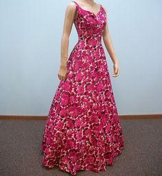 Vintage Dress / Rose Pink Floral Print Gown / by ClubVintage 40s Dress, Full Skirt Dress, Dress Up, Princess Wedding Dresses, New Wedding Dresses, Bridesmaid Dresses, Vintage Gowns, Vintage Outfits, Vintage Fashion