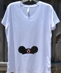Umstands-Shirt mit Hut-Design von WshsFairytaleDesigns auf Etsy