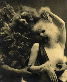 La Belle et le Bête, circa 1940. Tirage argentique d'époque